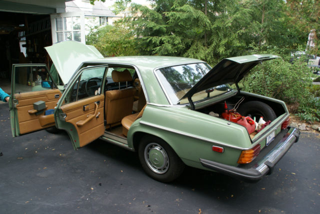 1975 Mercedes-Benz 200-Series Base Sedan 4-Door