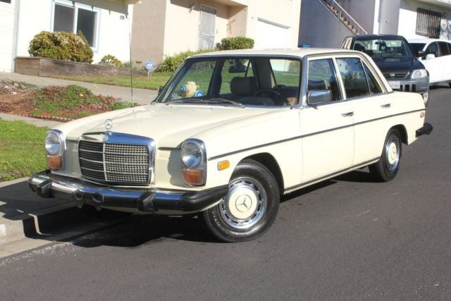 1975 Mercedes-Benz 200-Series 240D