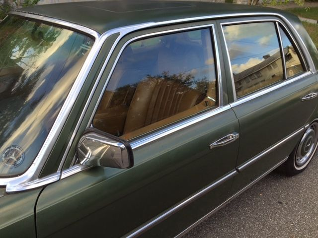 1975 Mercedes-Benz 200-Series W116 in DB862 w. M110 and SUNROOF