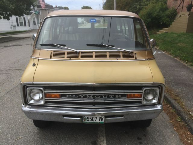 1975 Plymouth Voyager Sport 5 Passenger