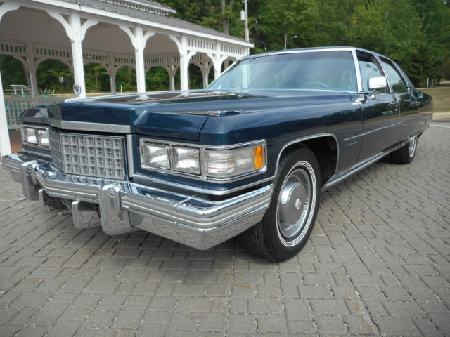 1976 Cadillac Fleetwood NO RESERVE AUCTION - LAST HIGHEST BIDDER WINS CAR!