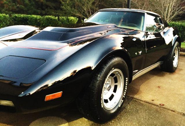1976 chevrolet corvette l 82 stingray coupe 2 door 5 7l c3 model for sale photos technical. Black Bedroom Furniture Sets. Home Design Ideas