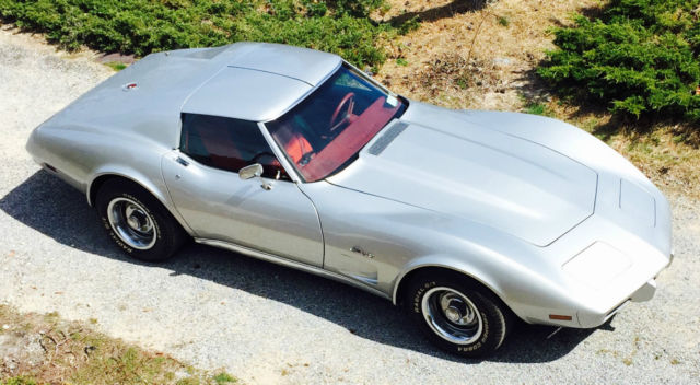 1976 Chevrolet Corvette 2-door coupe t-tops