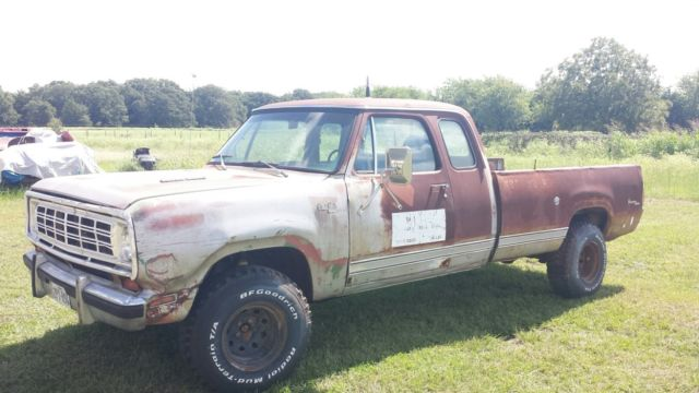 1976 Dodge Power Wagon ClubCab