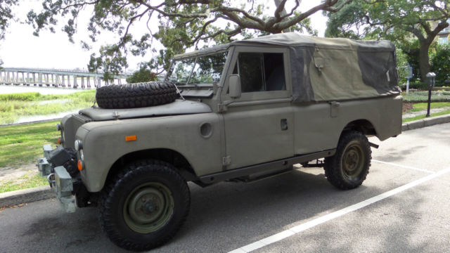1976 Land Rover Defender 109