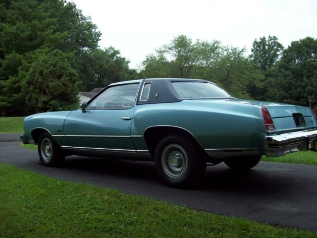 1976 Light Blue Chevrolet Monte Carlo Coupe with Blue interior
