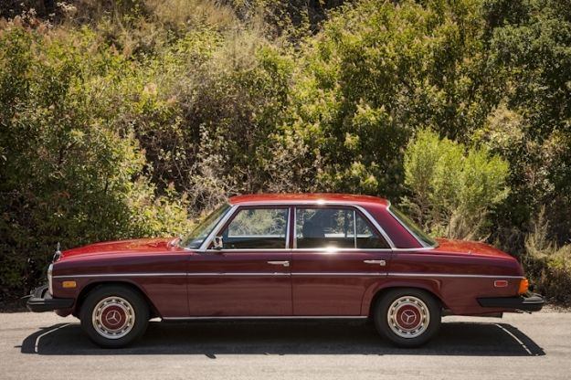 1976 Mercedes-Benz 200-Series 240D