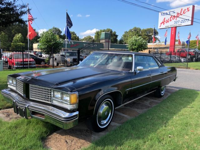 1976 Oldsmobile Ninety-Eight Luxury