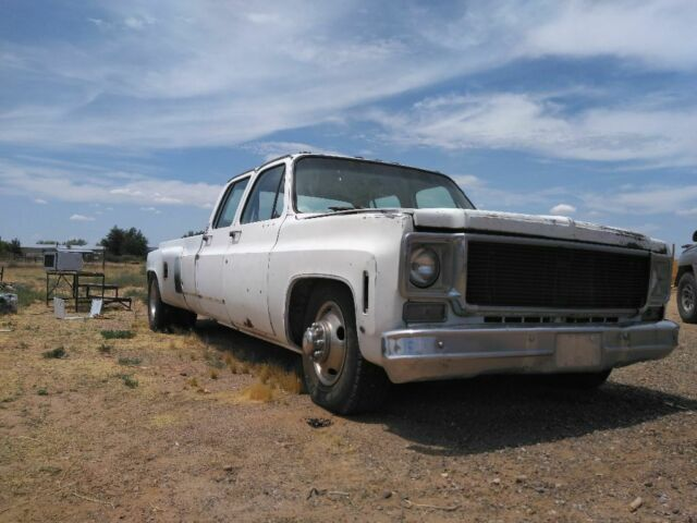 1977 White Chevrolet C/K Pickup 3500 Extended Crew Cab Pickup with Tan interior