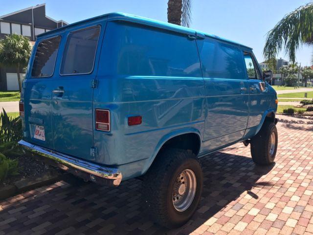 51d18475549a09 1977 Chevrolet G10 Shorty Pathfinder 4x4 custom Old School Van ...