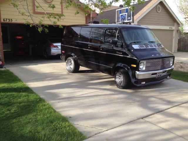 1977 Dodge B200 Van for sale: photos, technical