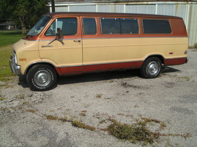 1977 Dodge B200 Sportsman Maxiwagon