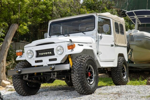 1977 FJ40 TOYOTA LAND CRUISER NUT AND BOLT RESTORATION for