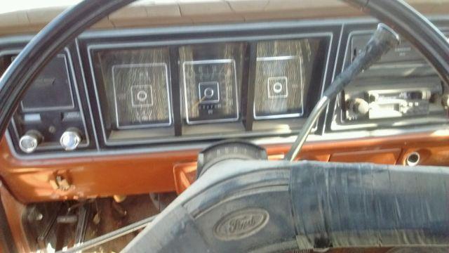 1977 Ford F-150 Custom 2 Wheel Drive Truck Needs Transmission