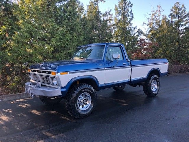 1977 Blue Ford F-250 Cab & Chassis with Blue interior