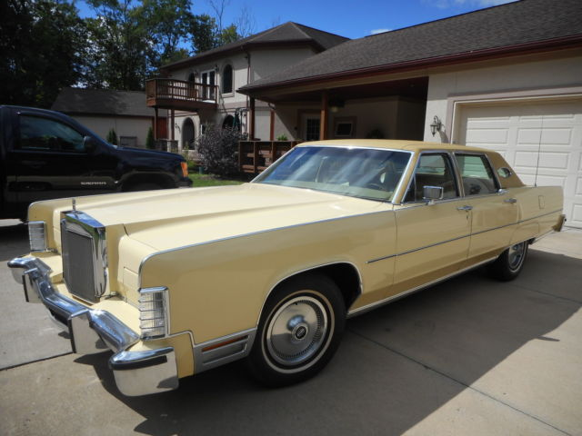 1977 Lincoln Continental Towncar
