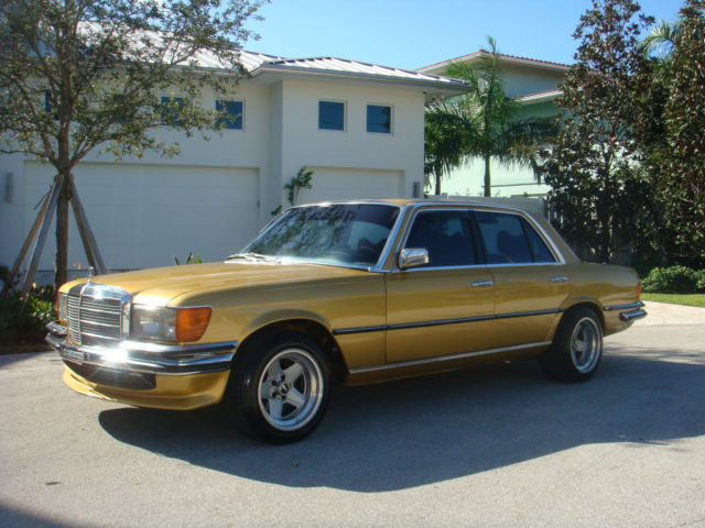 1977 Mercedes-Benz 200-Series