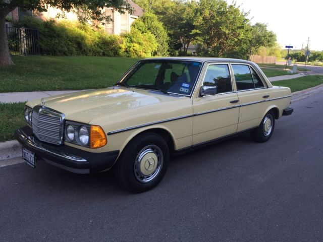 1977 Mercedes-Benz 300-Series