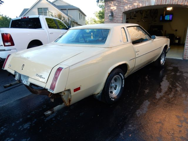 1977 Oldsmobile Cutlass COUPE