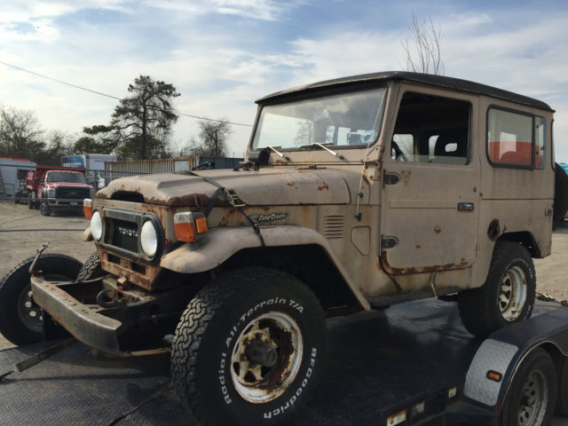 1977 Toyota Land Cruiser FJ40 Jeep