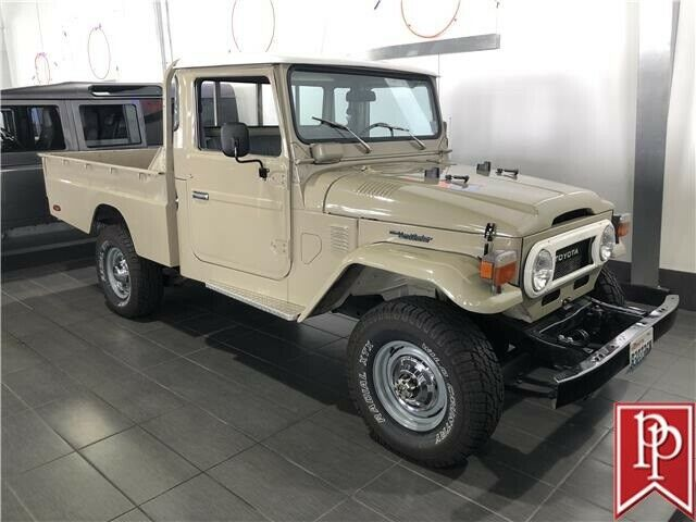 1977 Toyota FJ Cruiser Long Bed Pickup Truck