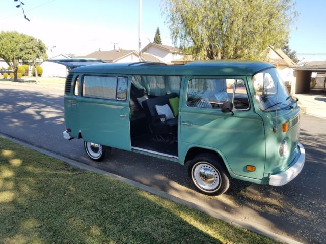 1977 volkswagen bus sunroof bay window passenger california bus for
