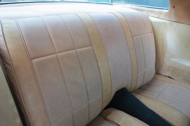 1978 Silver Chevrolet Camaro coupe Coupe with Tan interior