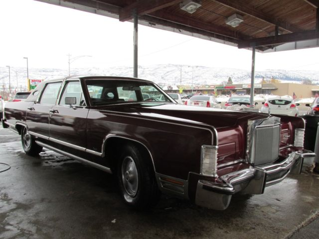 1978 lincoln continental 4 door town car sedan for sale photos technical specifications. Black Bedroom Furniture Sets. Home Design Ideas