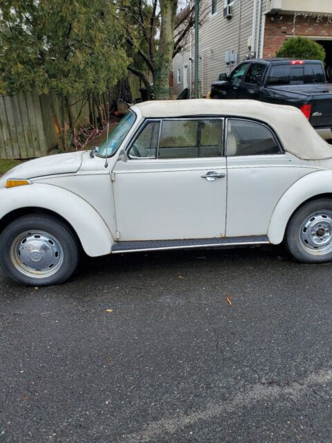 1978 Volkswagen Super Beetle white