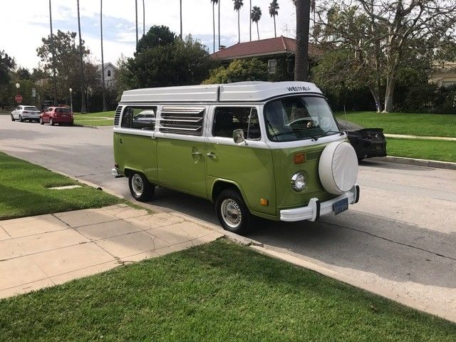 1978 Green Volkswagen Bus/Vanagon Van Camper with Green interior