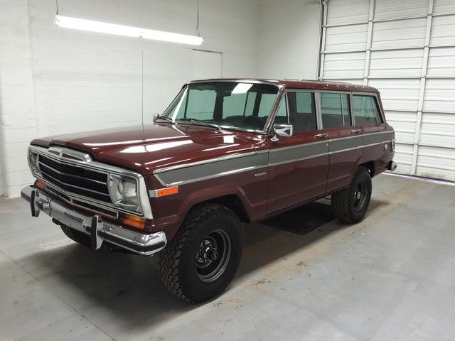 1979 Jeep Wagoneer Clean, Bluetooth, Custom leather seats