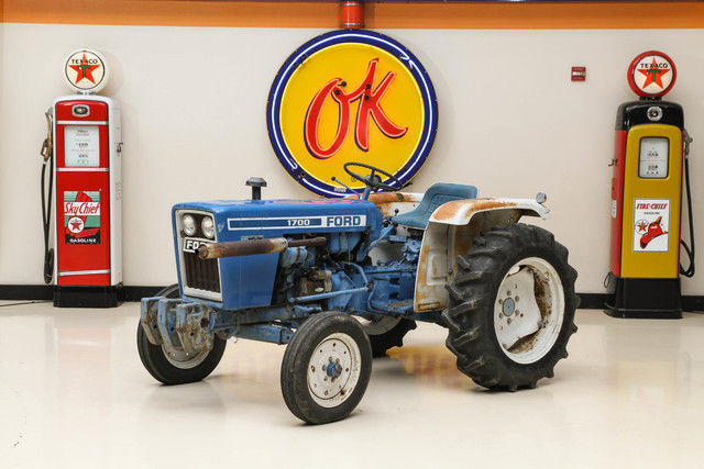 1979 Ford TRACTOR 1700
