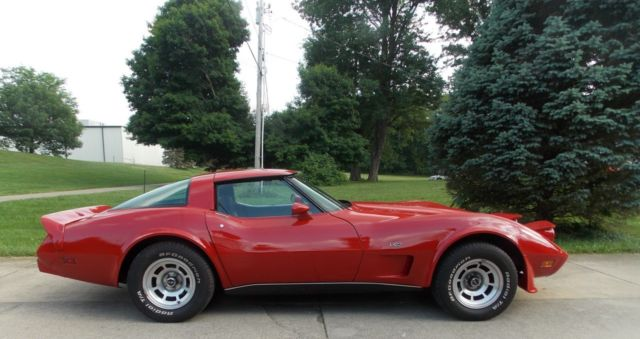 1979 Red Chevrolet Corvette T-Top Coupe with Black interior