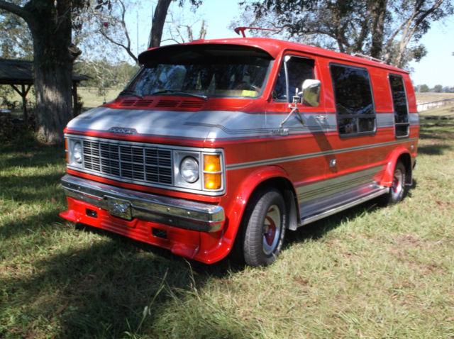 1979 Dodge B 200 Custom Street Hippie Camper Van Amazing