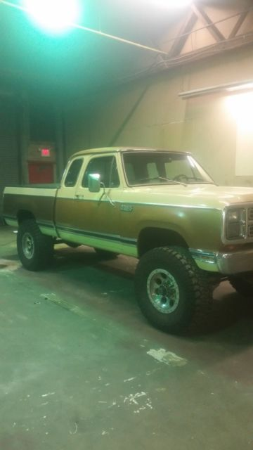 1979 Dodge Power Wagon le