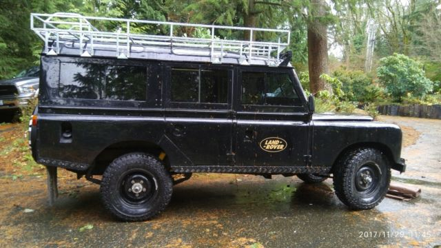 1979 Land Rover Defender Series III 109 Santana