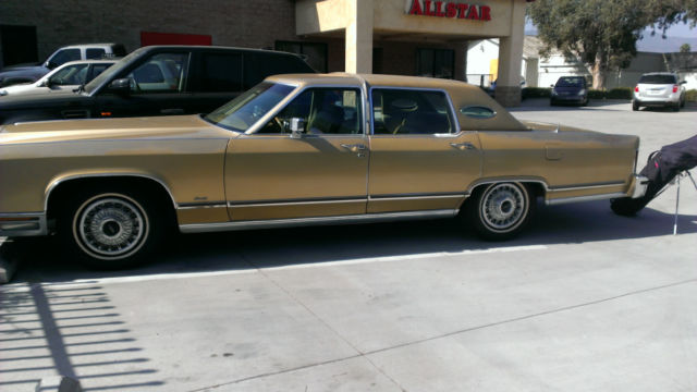 1979 Lincoln Continental Town Car Gold Full Size Luxury 4dr Sedan