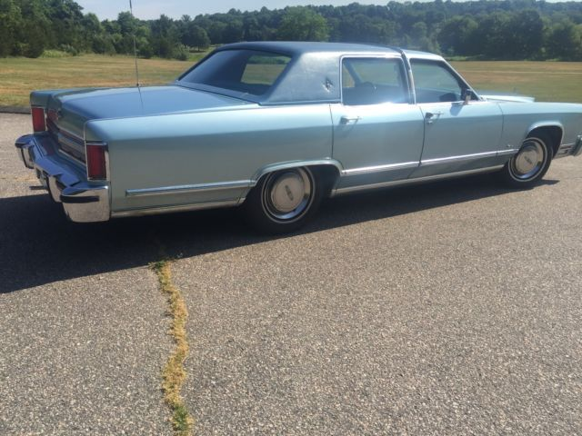 1979 lincoln continental towncar only 23 000 miles. Black Bedroom Furniture Sets. Home Design Ideas