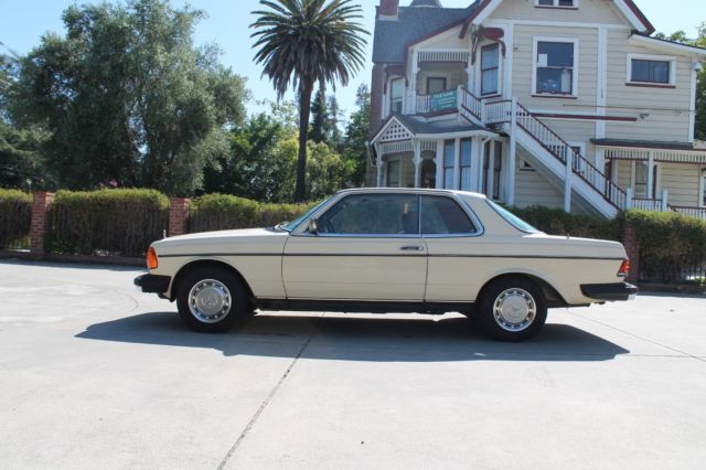 1979 Mercedes-Benz 300-Series CD COUPE