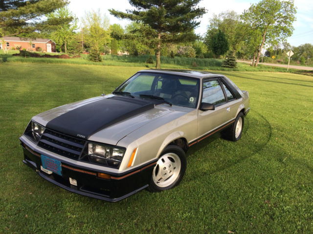 1979 mustang pace car 2 3 liter fuel injected turbo for sale photos technical specifications. Black Bedroom Furniture Sets. Home Design Ideas