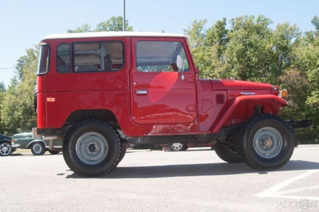 1979 Toyota Fj40 Land Cruiser Red With Gray Nice