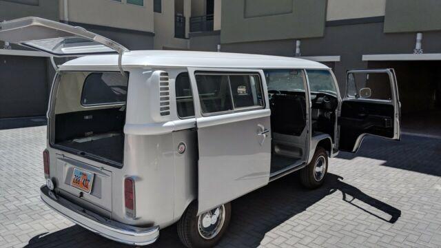 1979 Volkswagon Vw Bus Transporter Restored Runs Great