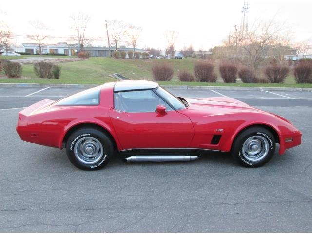 1980 Red Chevrolet Corvette L-82 Coupe with Red interior