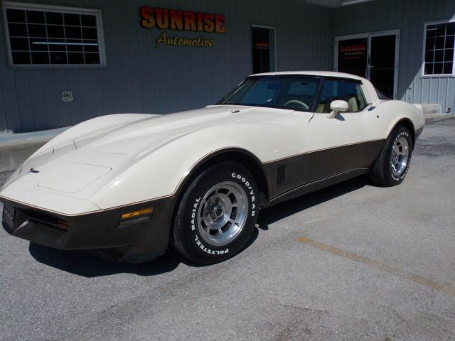 1980 Chevrolet Corvette L-48 4-Speed Rear Hatch