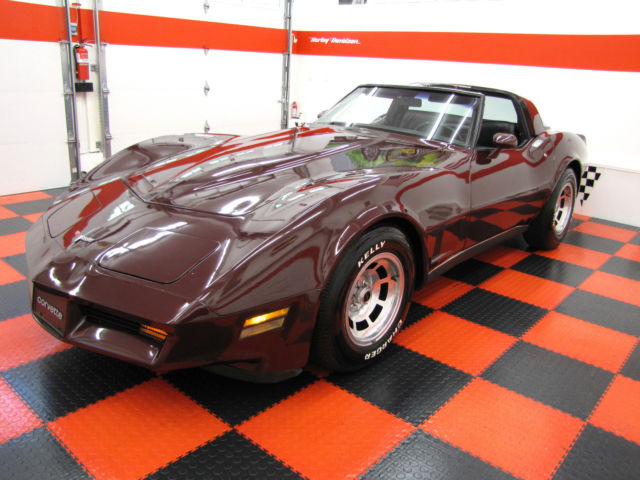 1980 Chevrolet Corvette STINGRAY T-TOP