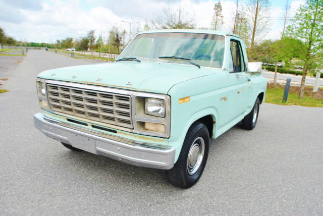 1980 Ford F-100 Custom StepSide 4.9 Liter V6 Runs Great No Reserve