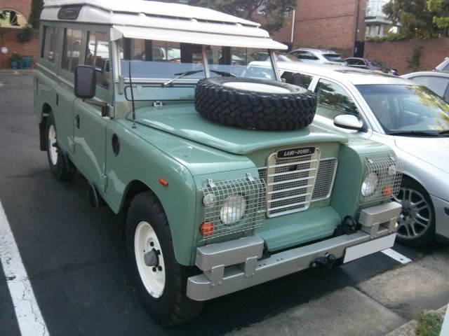 1980 land rover defender 109 series iii 11k miles for sale photos technical specifications. Black Bedroom Furniture Sets. Home Design Ideas