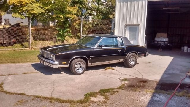 1980 Oldsmobile Cutlass triple black