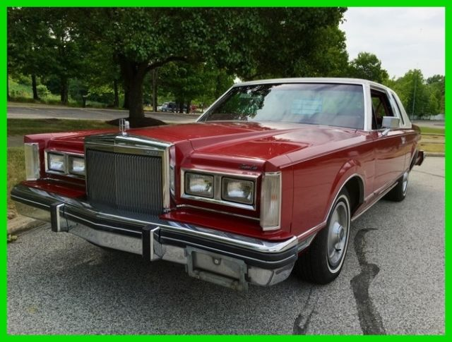 1981 Lincoln Town Car 2-Door Sedan