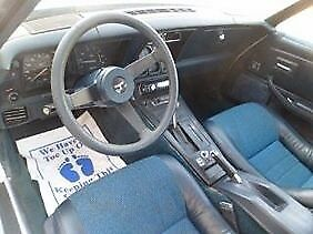 1981 Chevrolet Corvette Coupe with Blue interior